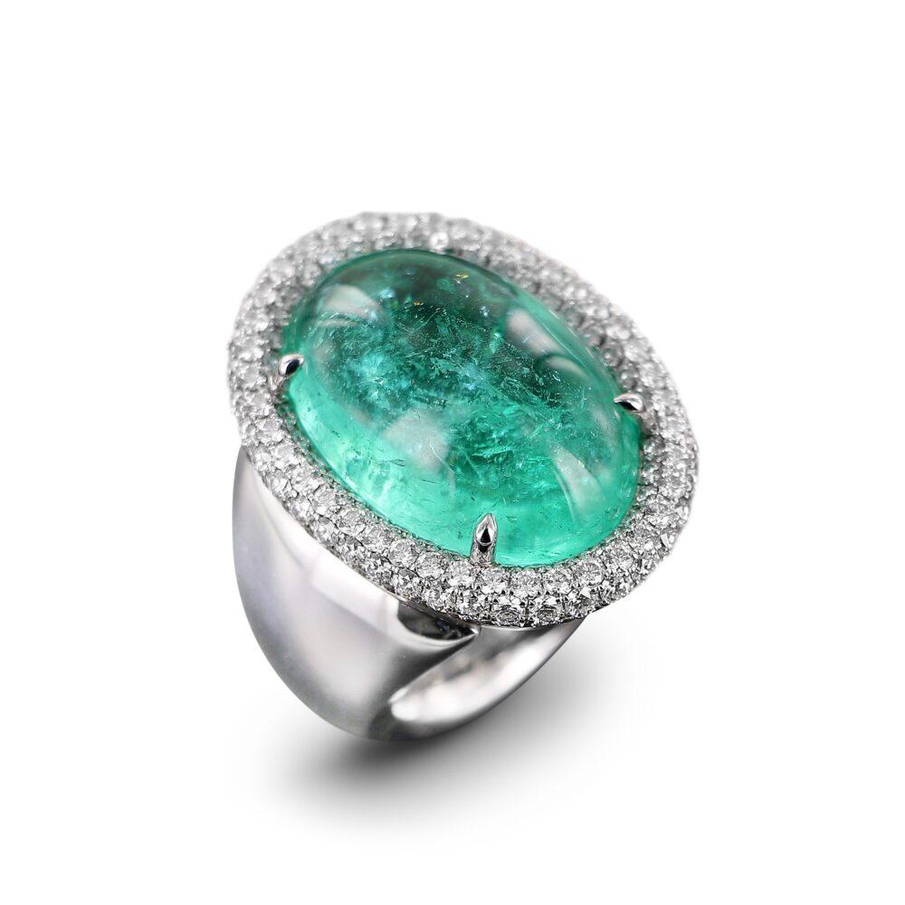Ring mit Paraiba-Turmalin-Cabochon
